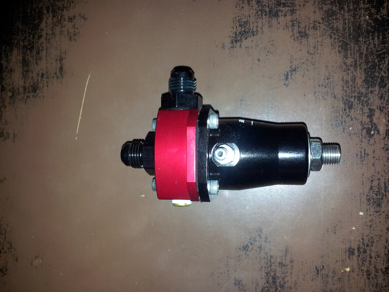 regulateur pression essence aeromotive