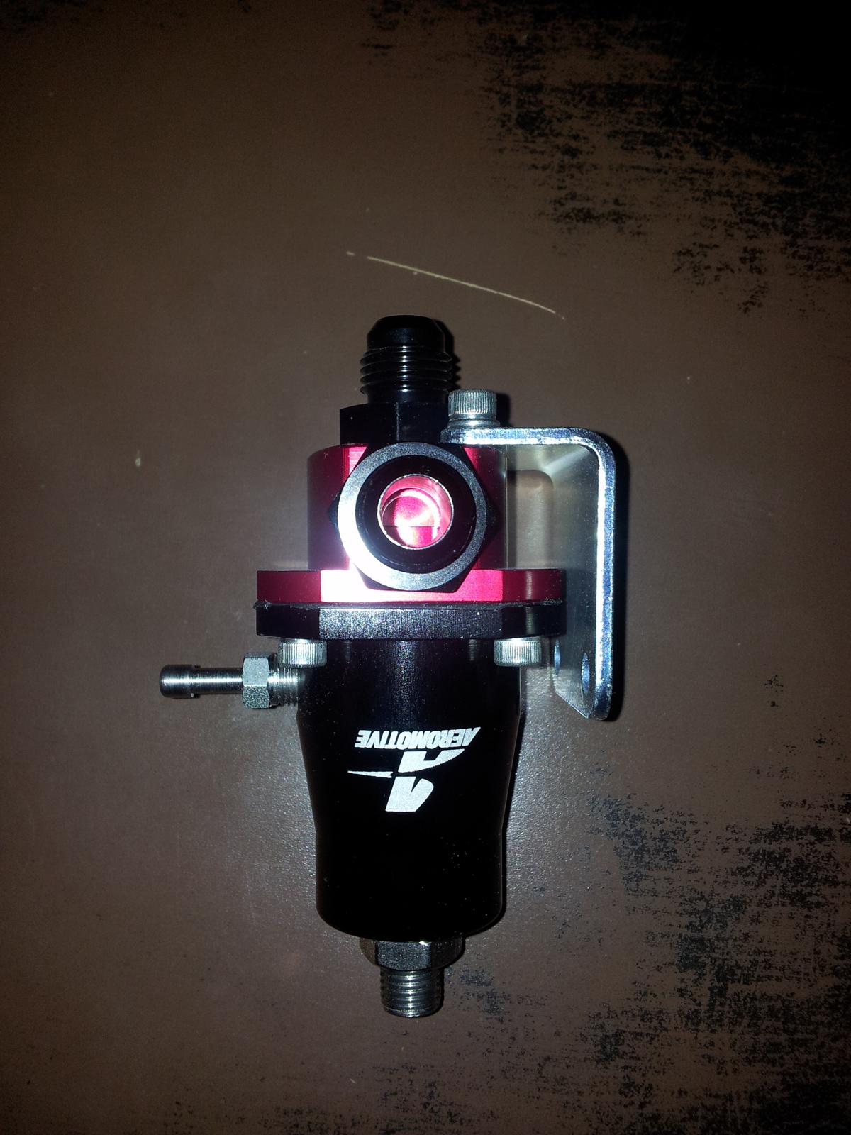 regulateur pression essence aeromotive